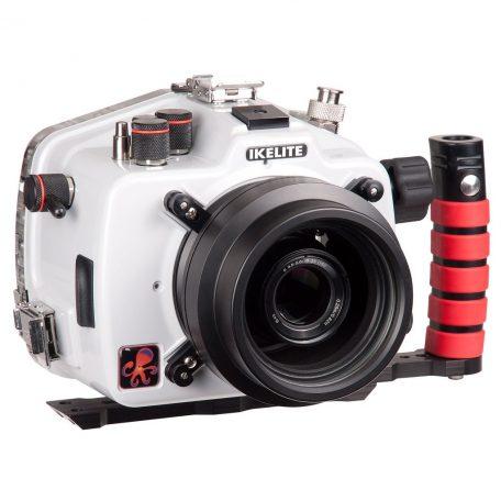 Kamera und Port als Beispiel. Nicht im Lieferumfang enthalten.
